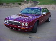 2001 Jaguar XJ8 Vaden Plas Simply Luxury $3988.00